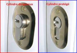 Renforcer son cylindre de porte pour une sécurité maximale.