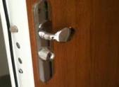 Artisan pour protéger votre porte