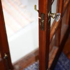 Porte qui s ouvre ou se ferme mal que faire serrurier for Porte qui s ouvre lumiere